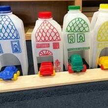 5. Garaż dla aut z butelek