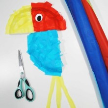 Papuga z papierowego talerza