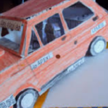 samochód z kartonu